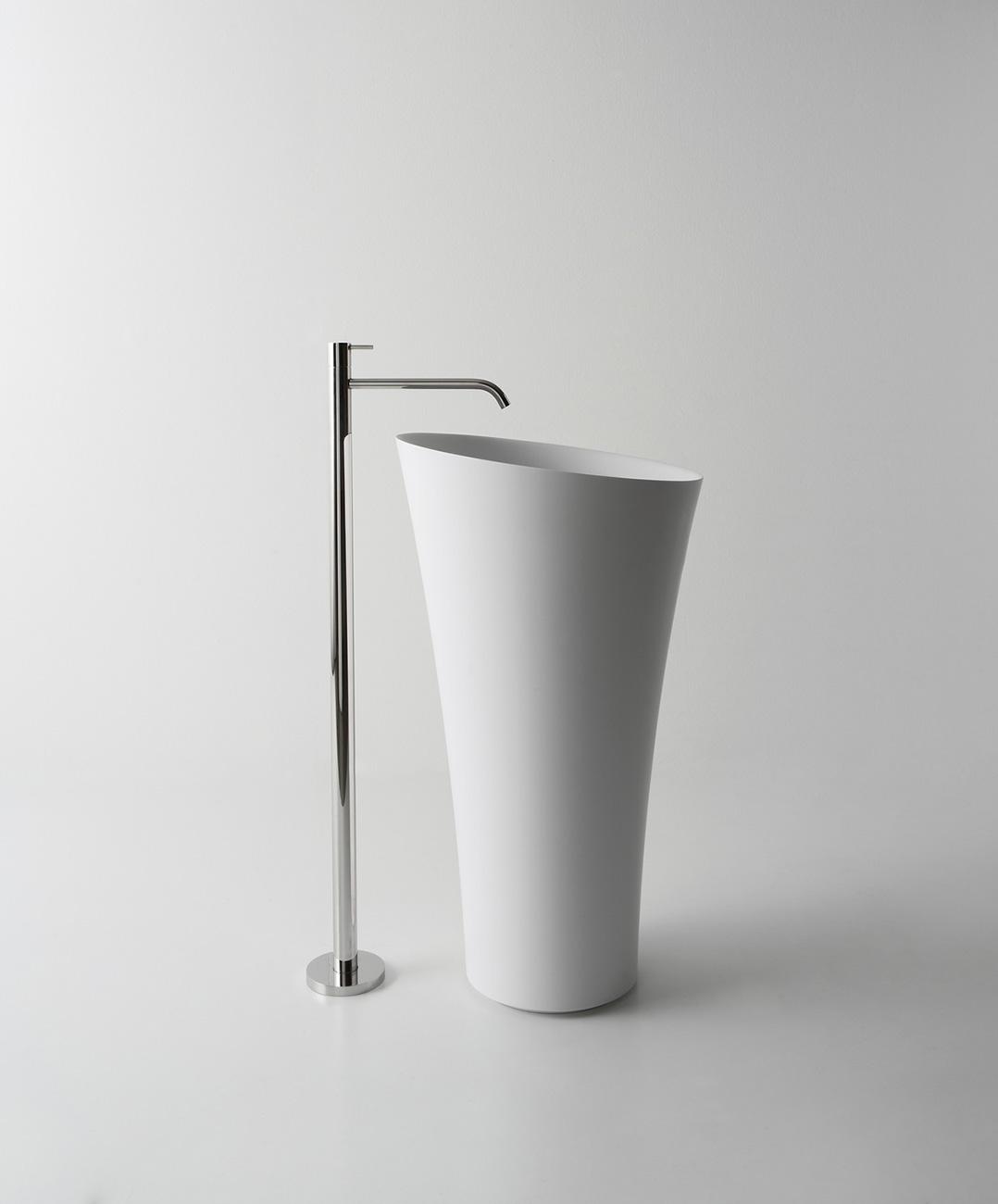 le lavabo un meuble de salle de bains part enti re induscabel salle de bains chauffage et. Black Bedroom Furniture Sets. Home Design Ideas