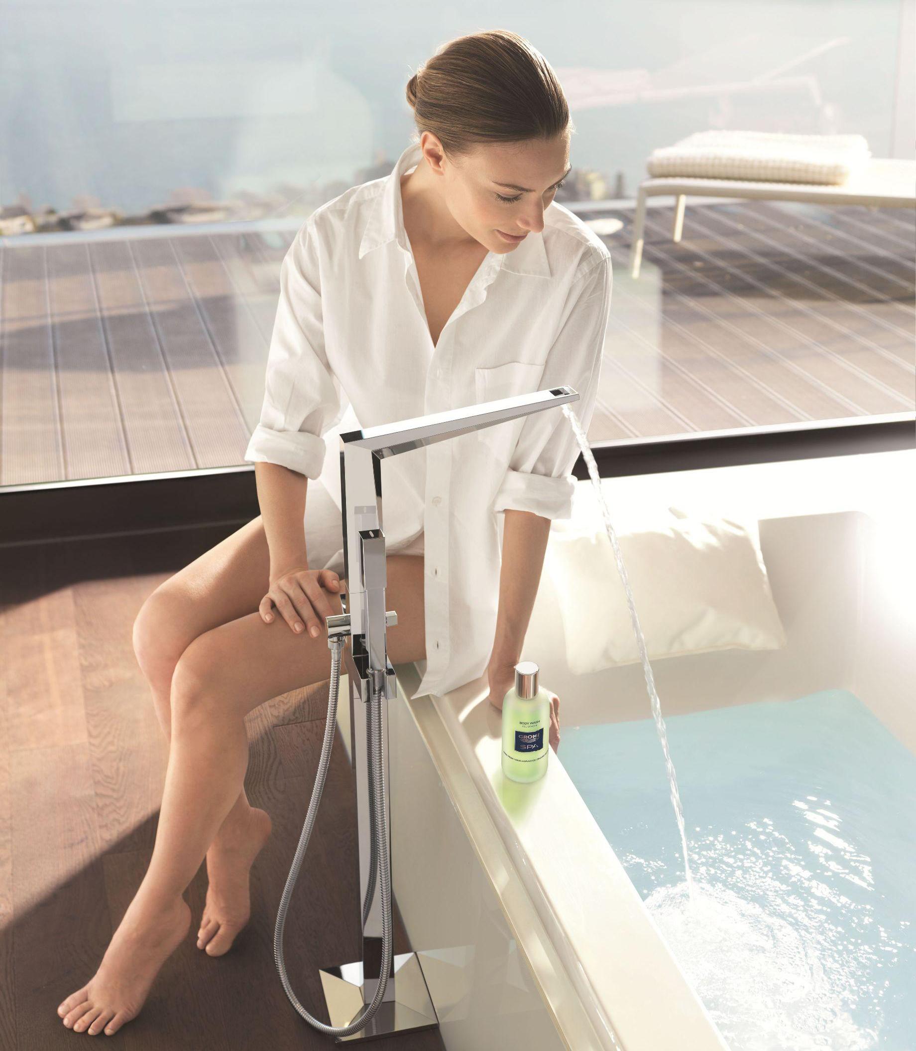 Mitigeur avec pied pour bain de GROHE
