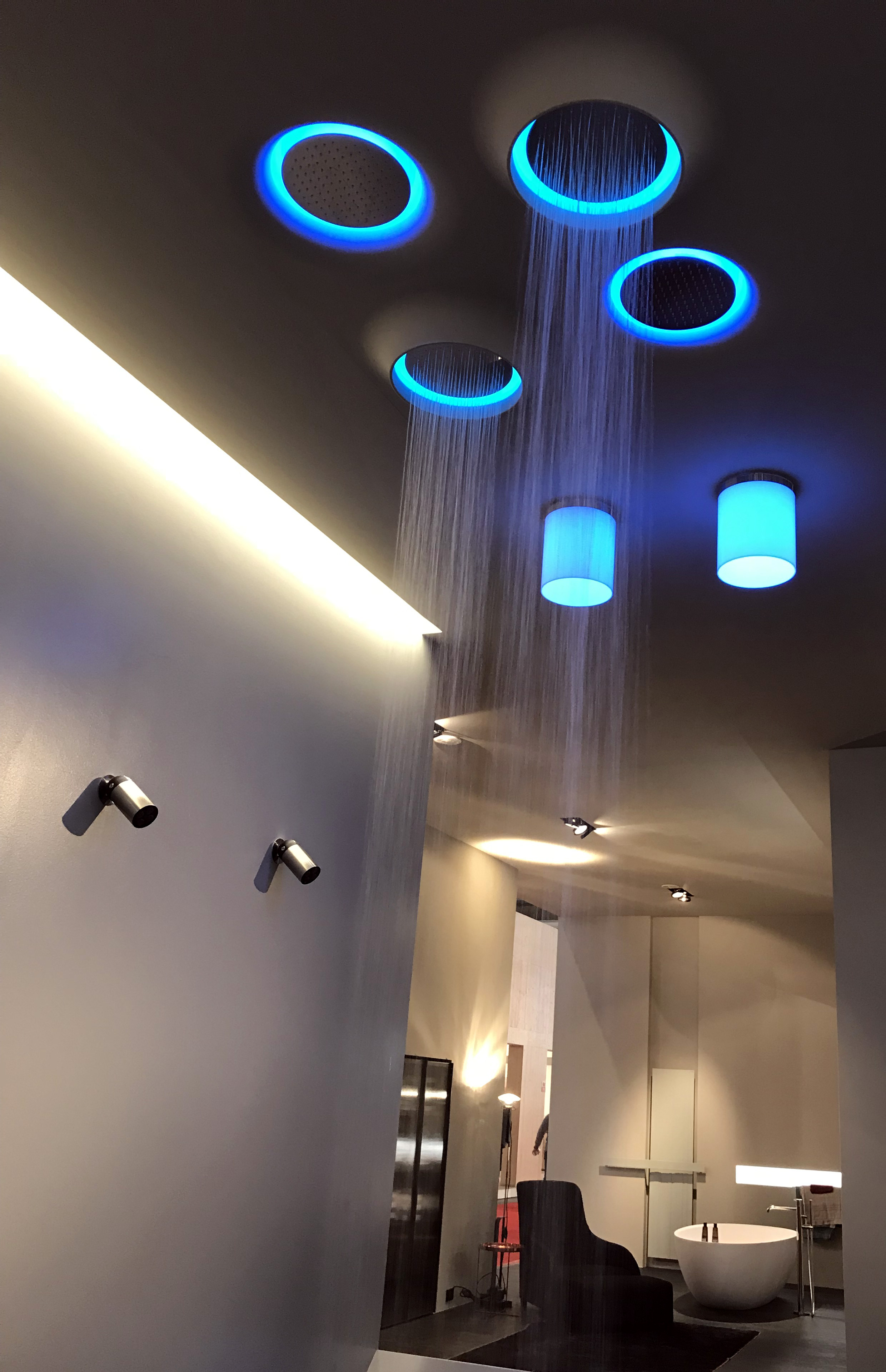 Coup de coeur Batibouw : Tête de douche lumineuse ANTONIO LUPI