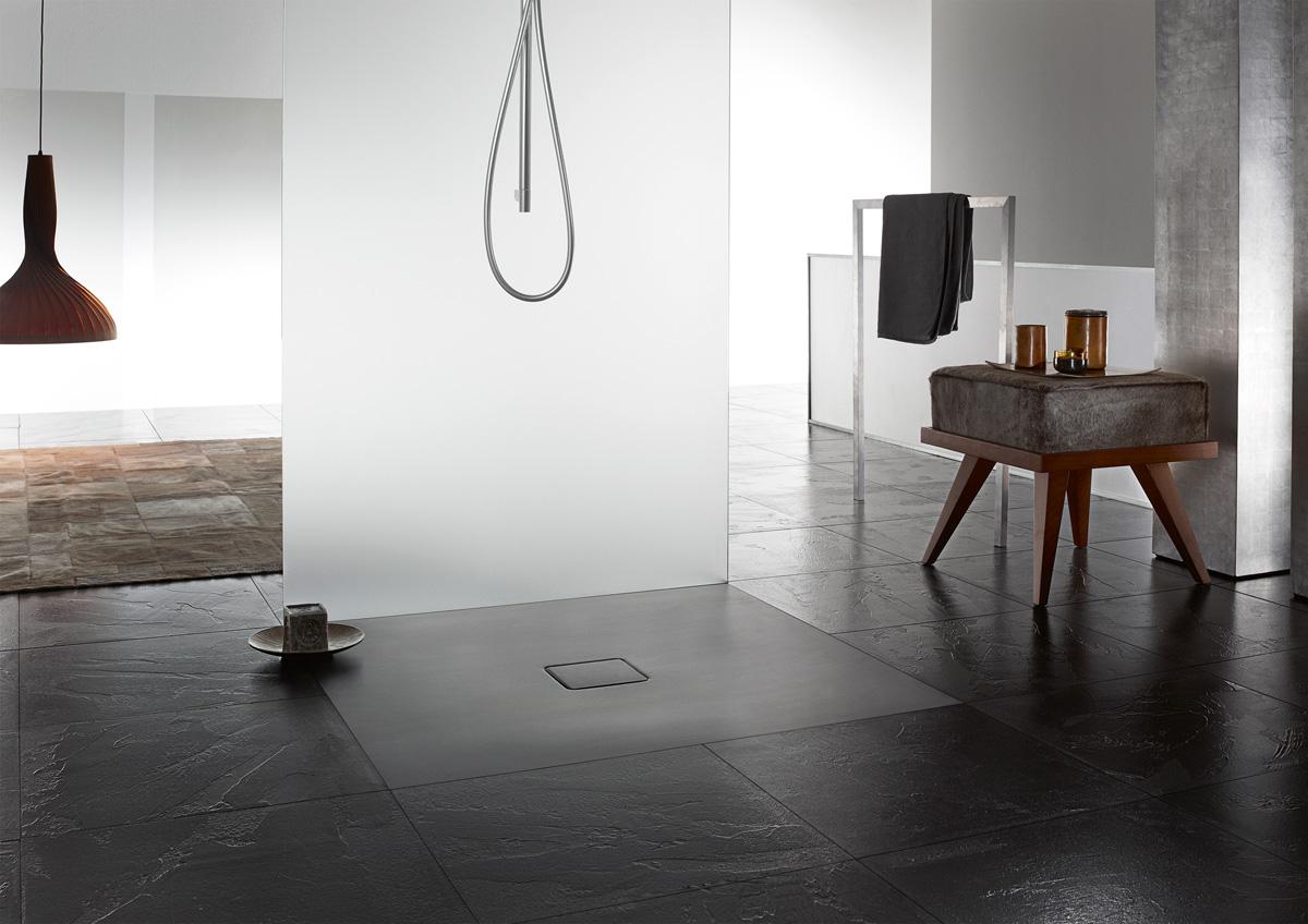 Receveur de douche ultraplat KALDEWEI, idéal pour une installation d'une douche à l'italienne