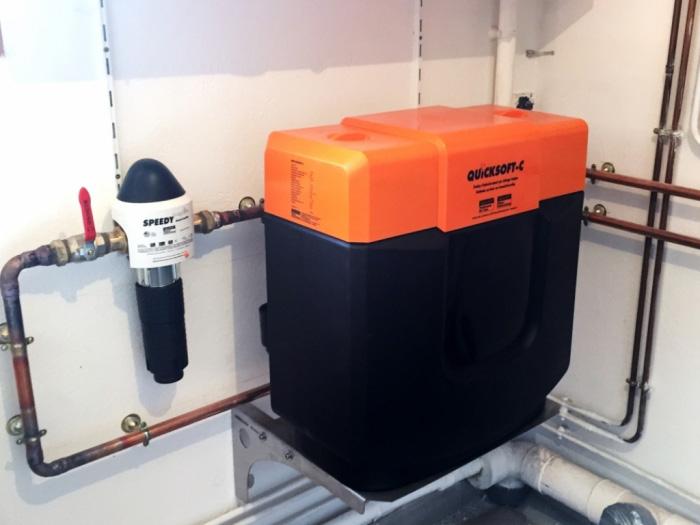 Adoucisseur d 39 eau pour une eau moins dure induscabel salle de bains chauffage et cuisine - Adoucisseur d eau pour maison ...