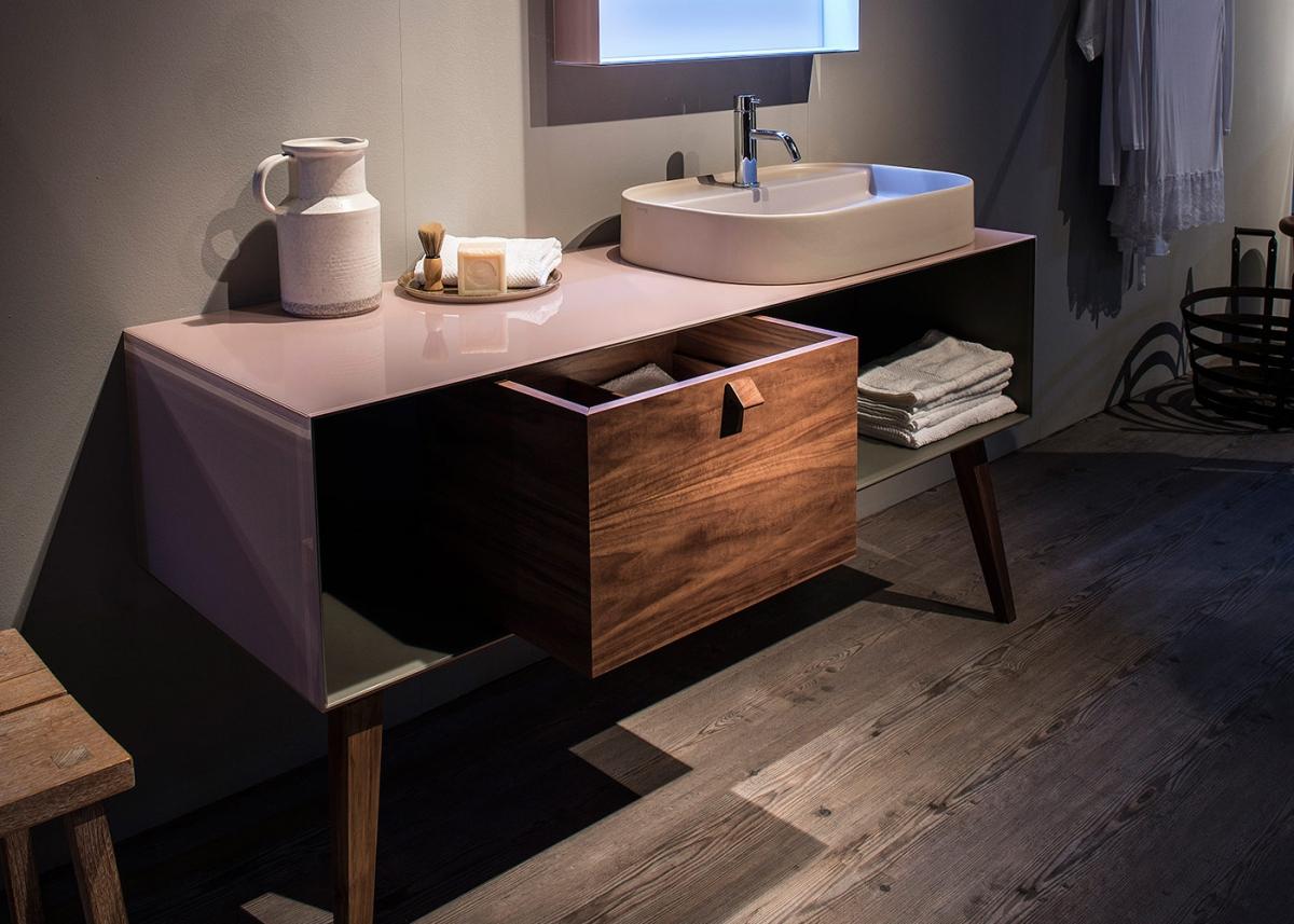 mobilier de salle de bains en verre dualite dama. Black Bedroom Furniture Sets. Home Design Ideas