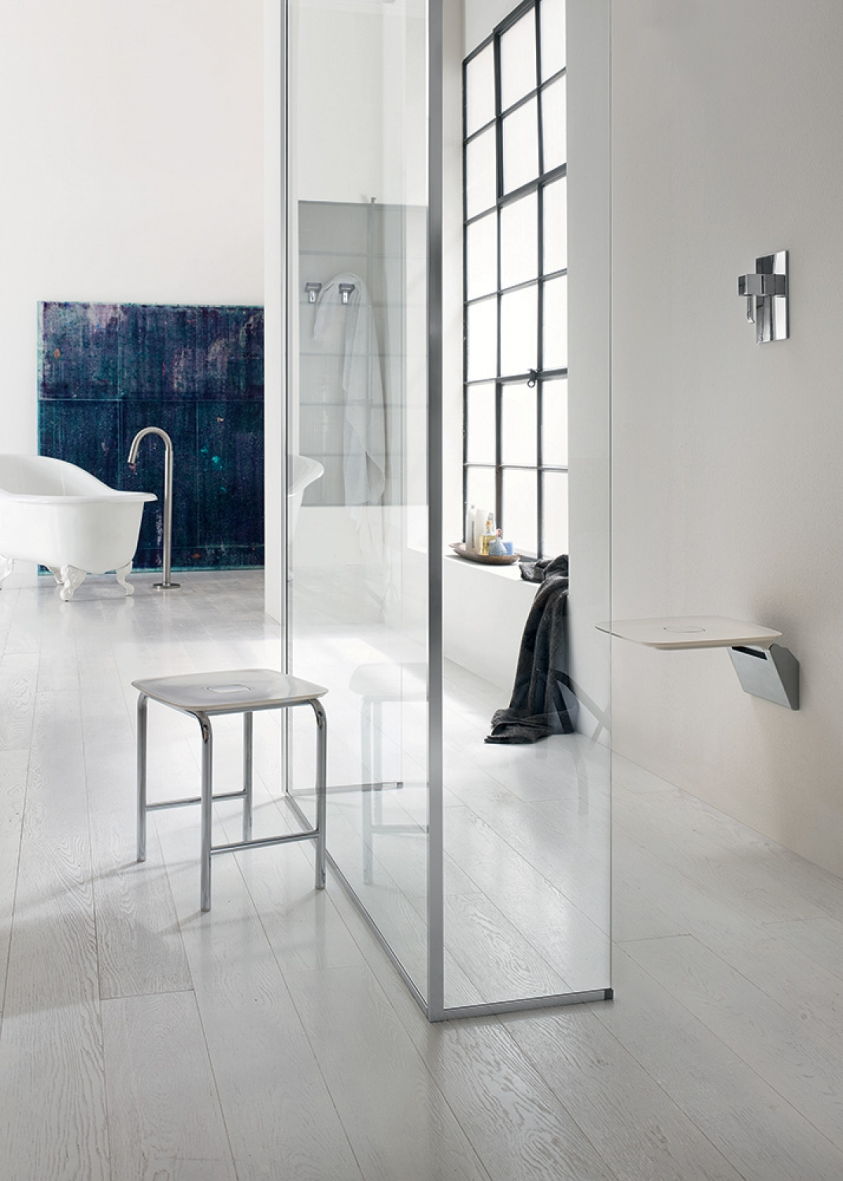 Tabouret inda induscabel salle de bains chauffage et for Inda salle de bain