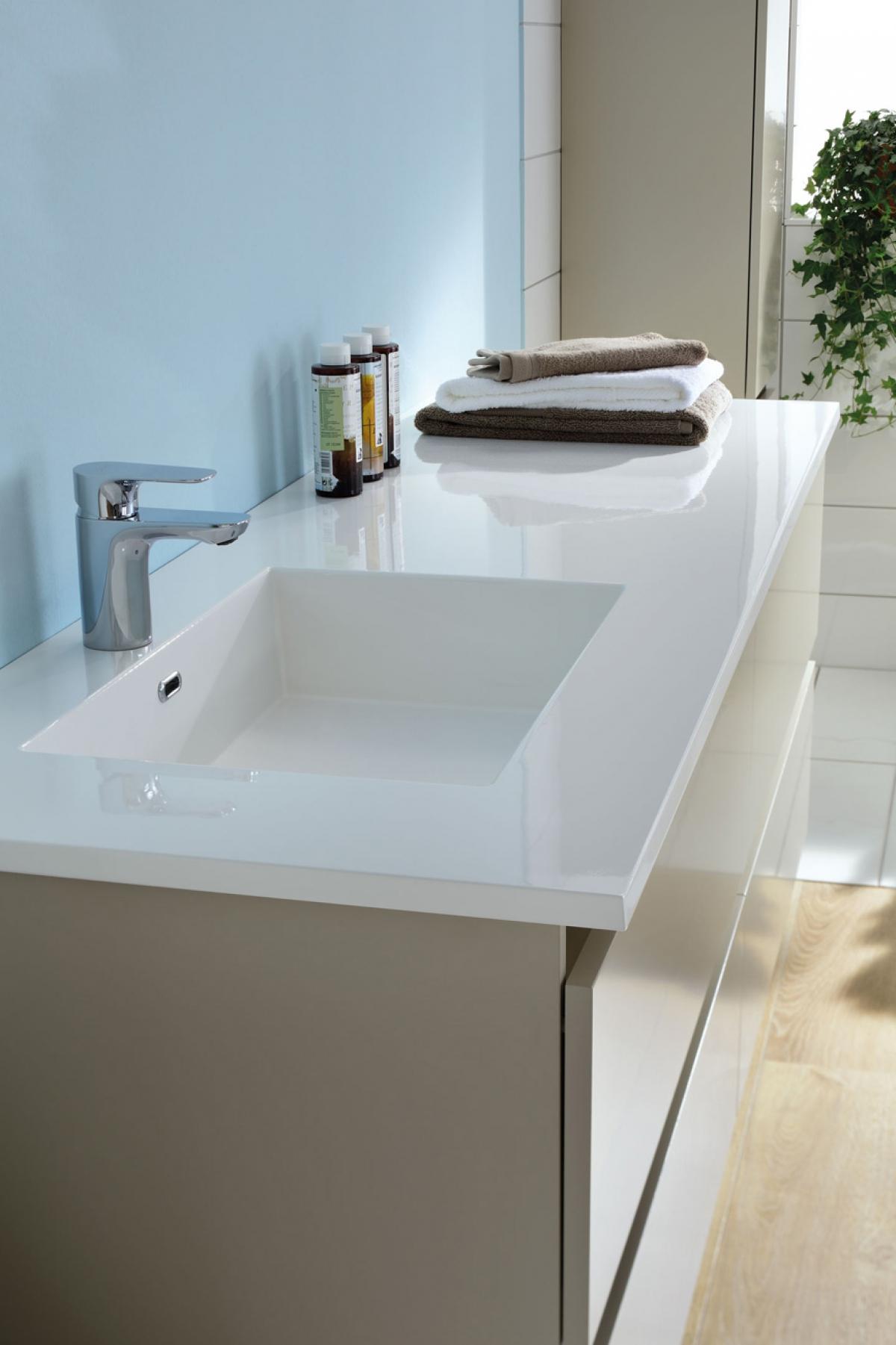 Meubles et vasque sobro sanijura induscabel salle de for Meuble vasque sanijura