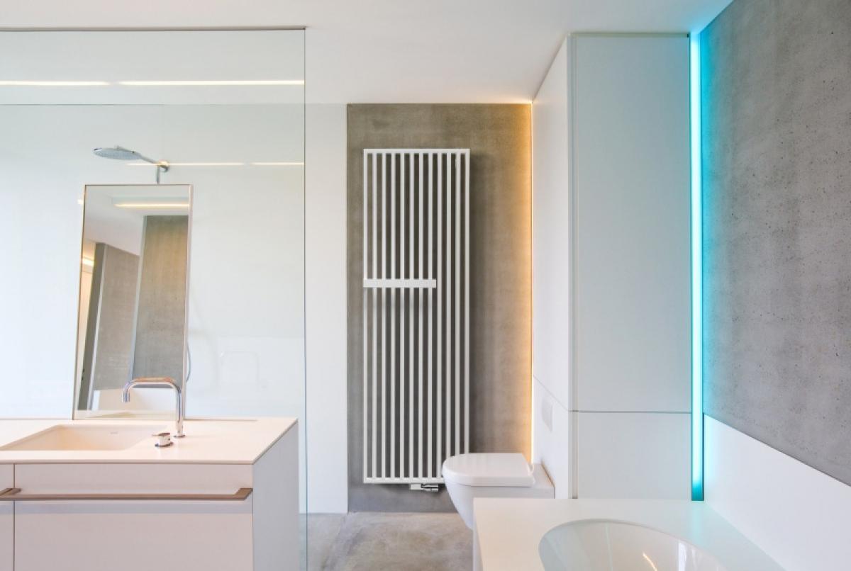 radiateur vertical arche plus vasco induscabel salle. Black Bedroom Furniture Sets. Home Design Ideas