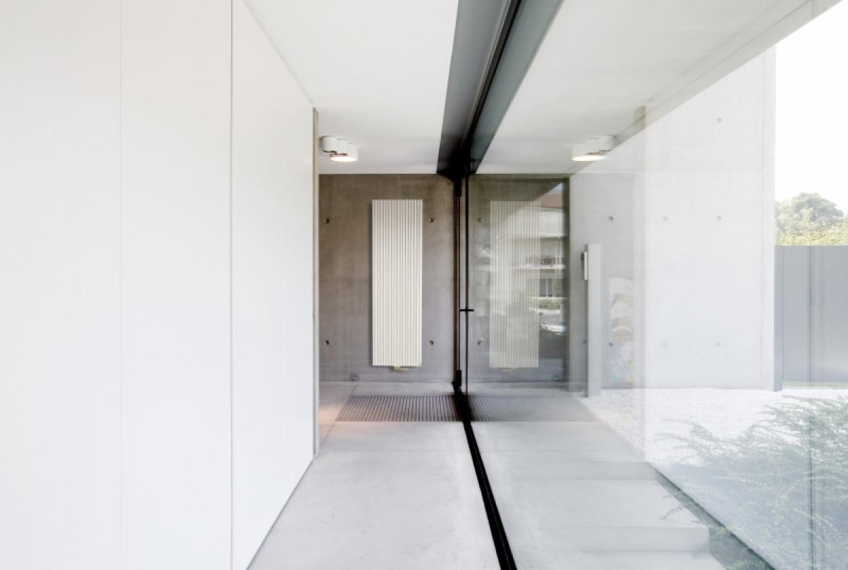 radiateur carr vertical vasco induscabel salle de. Black Bedroom Furniture Sets. Home Design Ideas