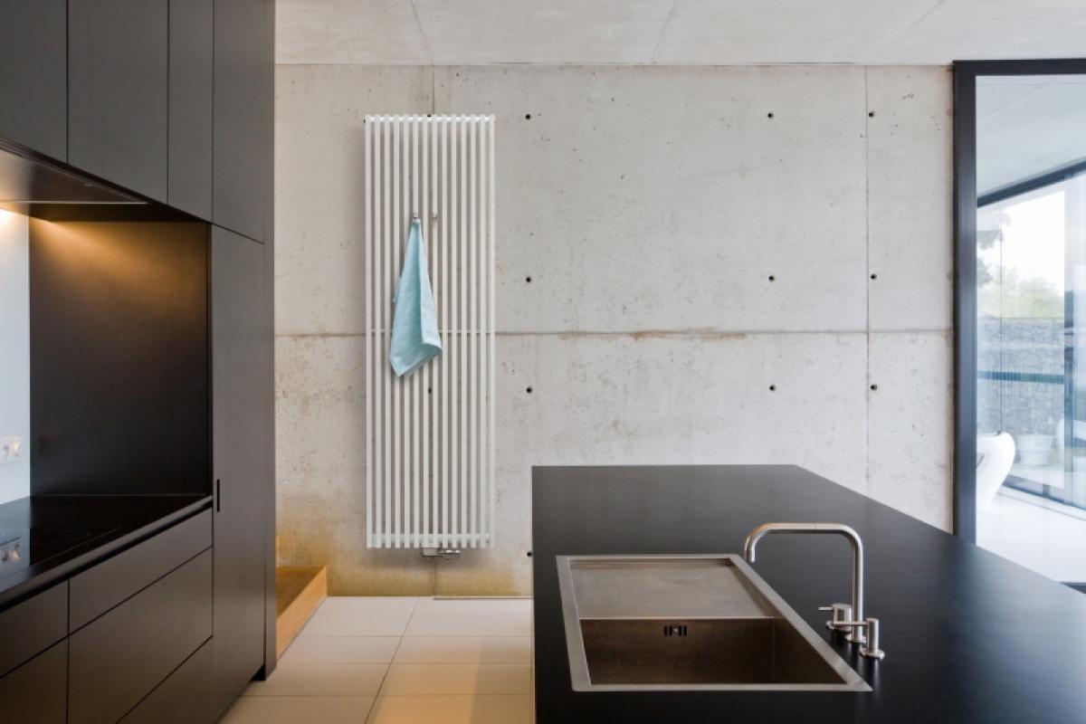 radiateur zana vertical vasco induscabel salle de. Black Bedroom Furniture Sets. Home Design Ideas