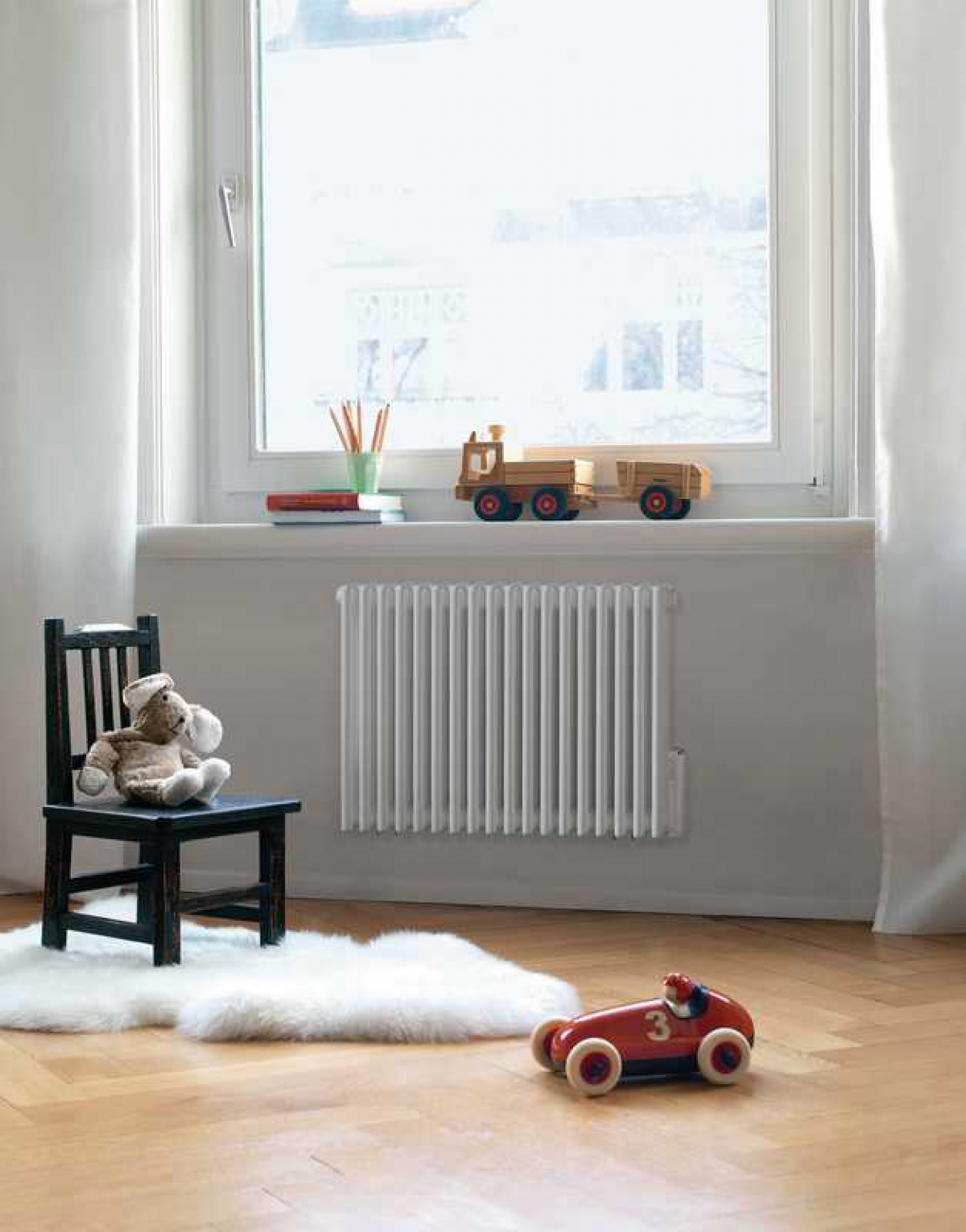 radiateur horizontal charleston zehnder induscabel salle de bains chauffage et cuisine. Black Bedroom Furniture Sets. Home Design Ideas