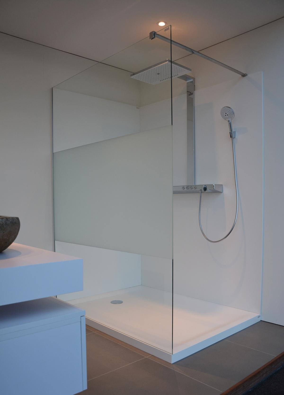 paroi de douche wall zenid induscabel salle de bains chauffage et cuisine. Black Bedroom Furniture Sets. Home Design Ideas