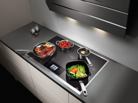 Taque de cuisson vitrocéramique à induction Maxisense - AEG